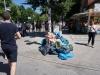 08 - Nach und nach sammelt sich der Müll an den Behältern, wo er von der Stadtreinigung eingesammelt wird