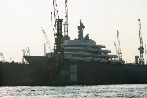 Abramovich Yacht Eclipse bei Blohm & Voss
