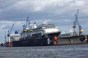 Rotterdam und Europa 2 im Dock