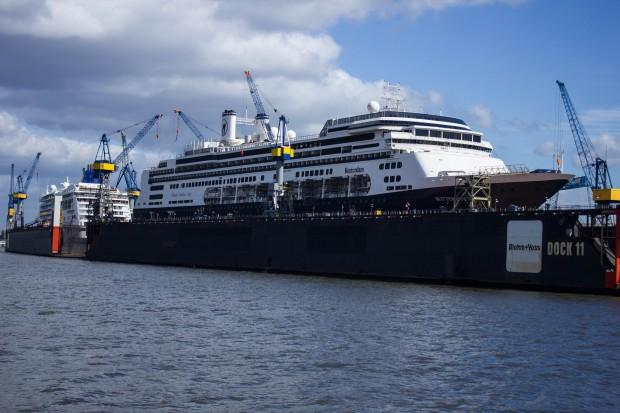 Rotterdam und Europa 2 bei Blohm & Voss