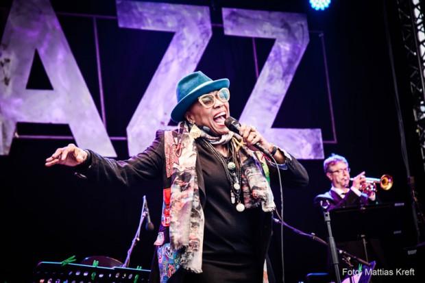 Dee Dee Bridgewater auf dem ElELBJAZZ Festival 2015