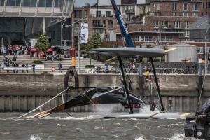 2015 Extreme Sailing Series - Act 5 - Hamburg. Credit Jesus Renedo.