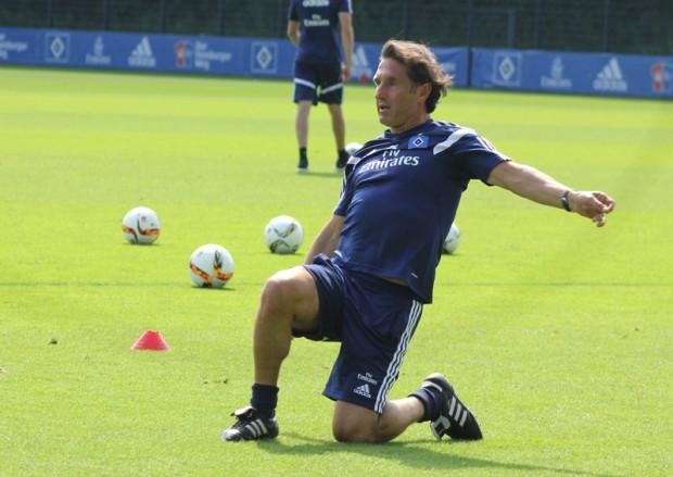 Bruno-Labbadia beim Fußballtennis