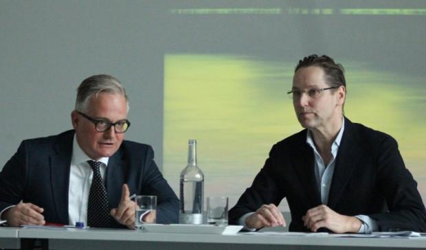 Dr. Dirk Luckow und Antonio Kaufmann auf der Jahrespressekonferenz der Deichtorhallen