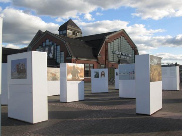 Deichtorhallen mit Ausstellung von Luca Guido Andrea Giombini