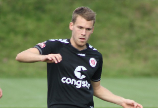 Christopher Buchtmann verlängert seinen Vertrag beim FC St. Pauli.