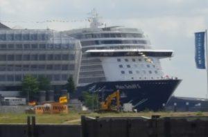Mein Schiff 5 zum ersten Mal in Hamburg