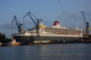 Queen Mary 2 bei Blohm + Voss