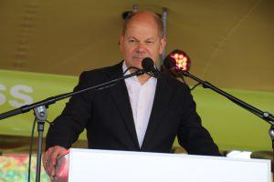 Bürgermeister Olaf Scholz eröffnet den Lohsepark