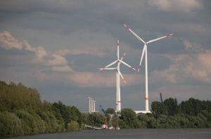 Windkraft im Hamburger Hafen