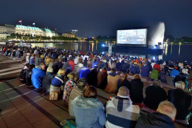 Filmfest Open Air am Jungfernstieg