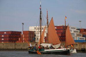 Traditionsschiffe beim ersten Elbfest.Hamburg