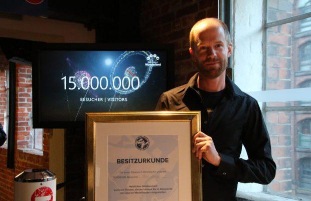 Oliver Zernikow der 15-millionste Besucher im Miniatur Wunderland