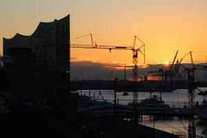 Elbphilharmonie bei Sonnenaufgang