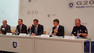 Pressekonferenz zum G20 mit Bürgermeister Olaf Scholz, Innensenator Andy Grote, Pressesprecher der Polizei Timo Zill, Polizeipräsident Ralf Martin Meyer und dem Einsatzleiter Hartmut Dudde