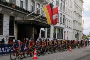 Radwettbewerb beim ITU World Triathlon in Hamburg