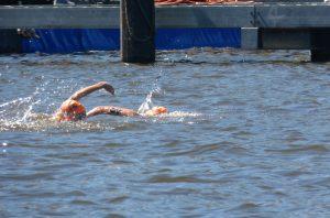 Schwimmer beim Triathlon