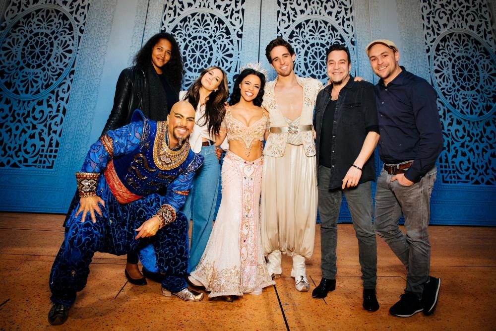 Jasmin (M. Monteiro), Aladdin (P. Büttner), Laith Al-Deen, Max Mutzke (v.li.n.re.) und Dschinni (K. Weinstein-Stor )