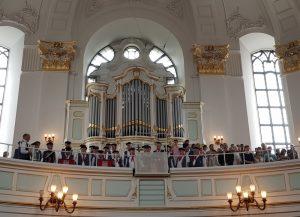 Shanty-Chor beim Eröffnungsgottesdienst