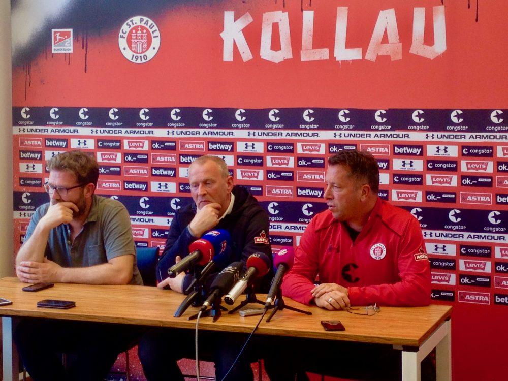 Von links: Pressesprecher Christoph Pieper, Sportchef Uwe Stöwer, Trainer Markus Kauczinski. In der Pressekonferenz zeigt sich das Team um Kauczinski nachdenklich und selbstkritisch