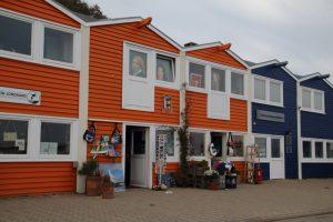 Typische Holzhäuse auf Helgoland