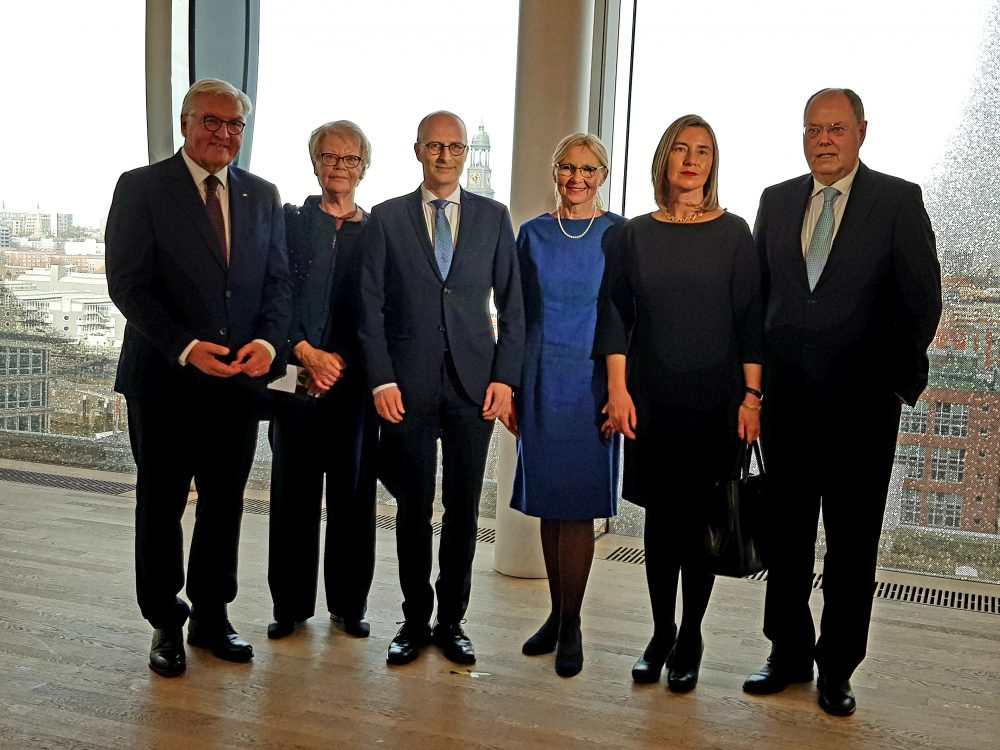 Frank-Walter Steinmeier, Susanne Schmidt, Dr. Peter Tschentscher, Eva-Maria Zschentscher, Frederica Mogherini, Peer Steinbrück