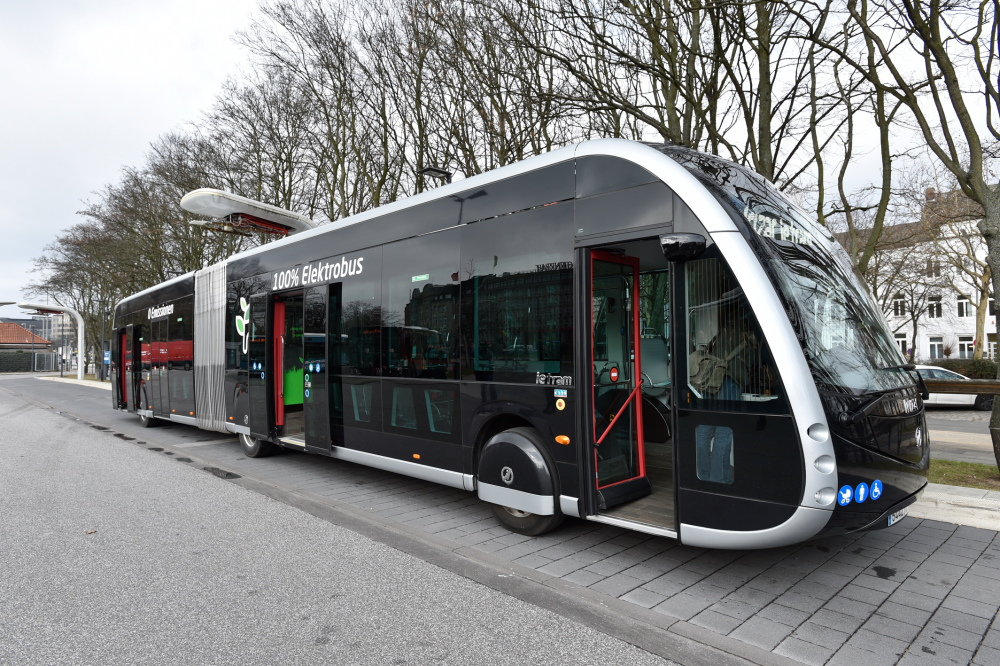 Elektro-Gelenkbus