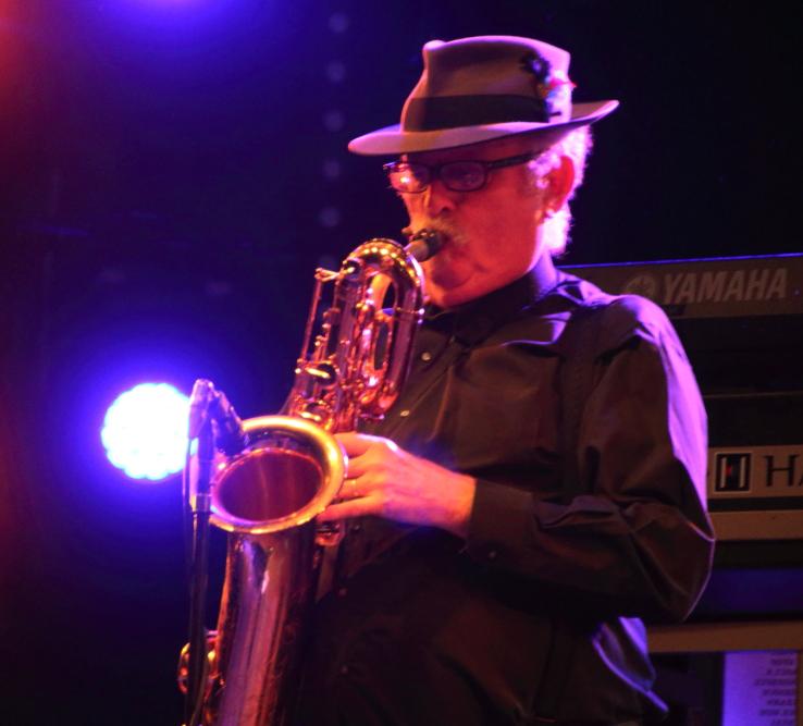 Stephen 'Doc' Kupka am Bariton Saxophon