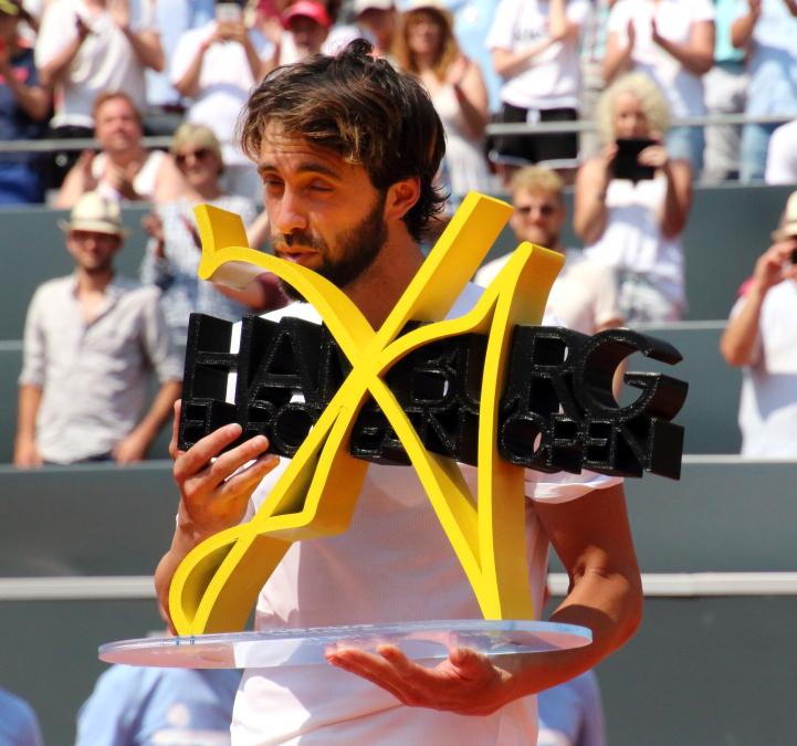 Nikoloz Basilashvili gewinnt den Titel am Rothenbbaum