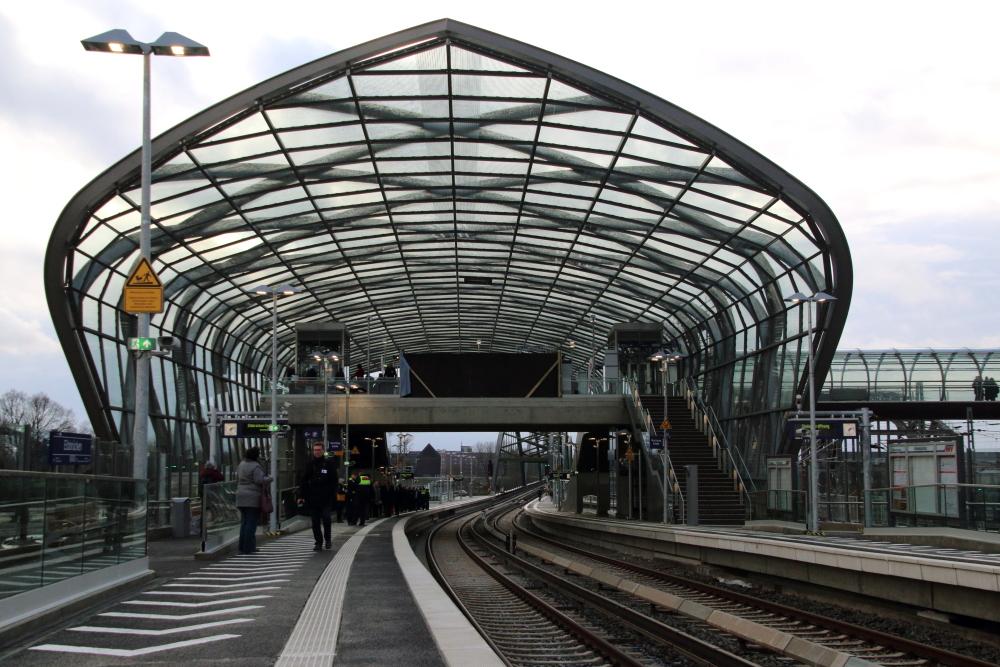 S-Bahn Elbbrücken