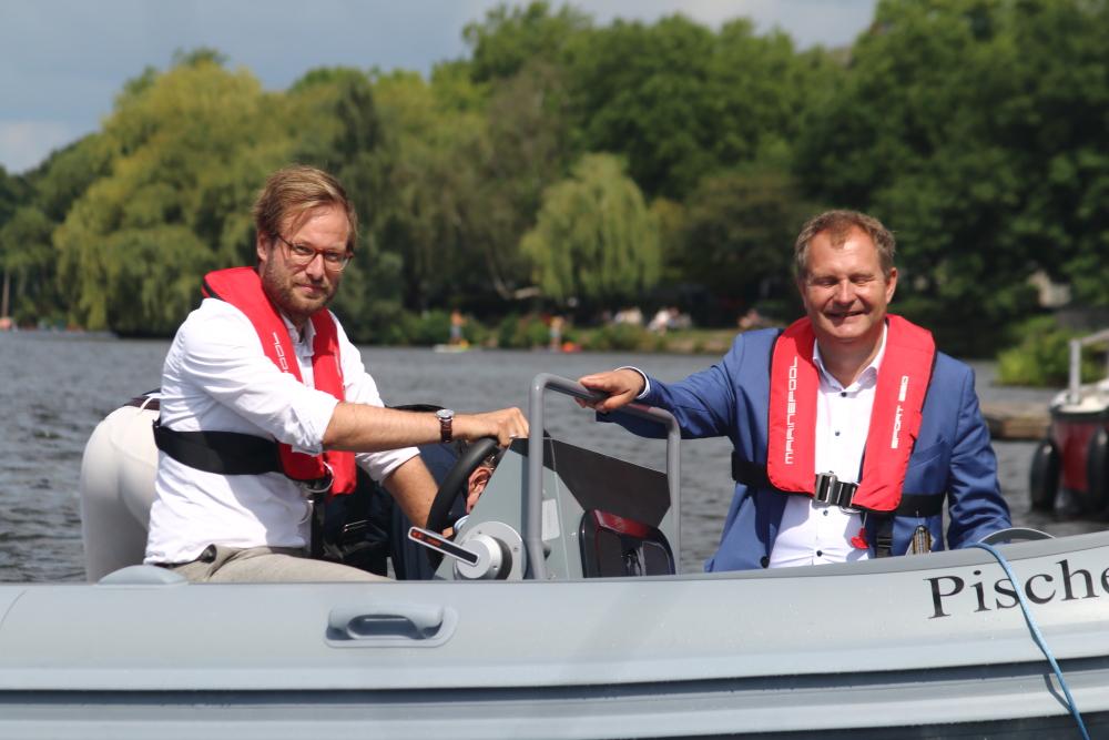 Anjes Tjarks und Jens Kerstan - E-Mobilität Alster