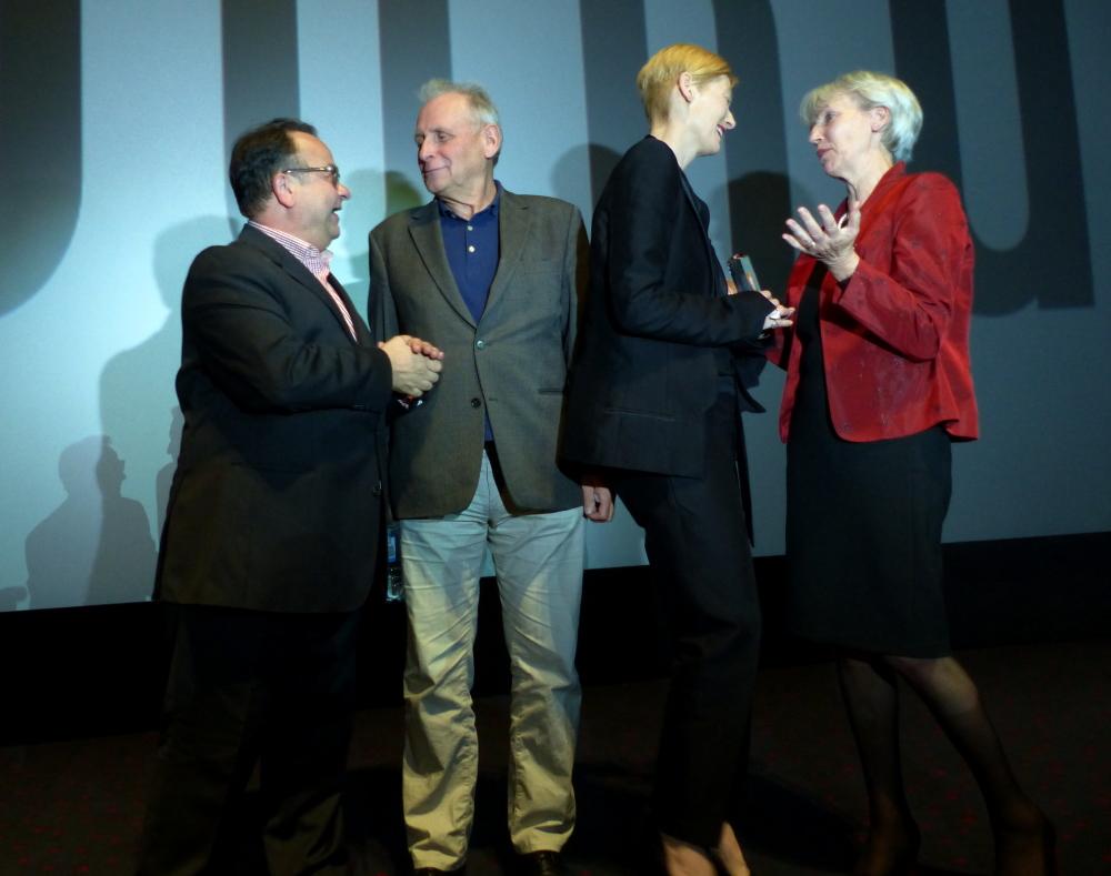 Albert Wiederspiel bei der Verleihung des Douglas Sirk Preises an Tilda Swinton