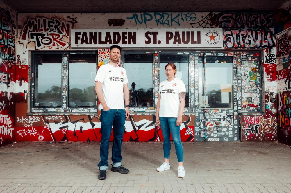 Justus Peltzer und Maleen Schero (Fanladen St. Pauli)